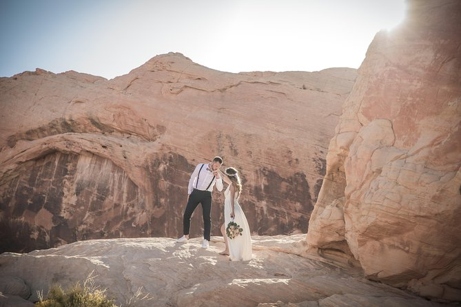 Wedding in French at Valley of Fire