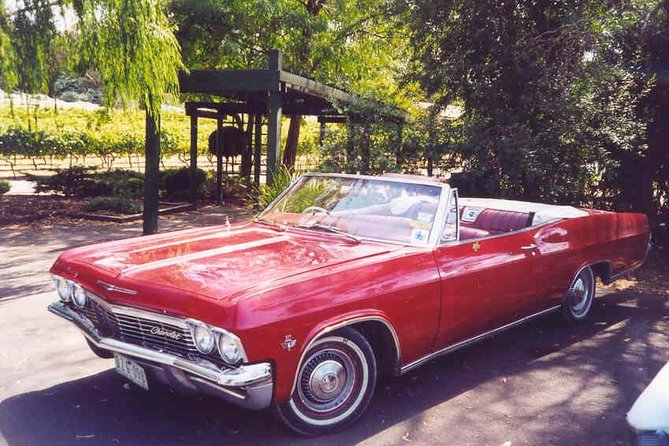 Private Wine Tour in a CLASSIC CHEVY CONVERTIBLE per group (up to 4 )
