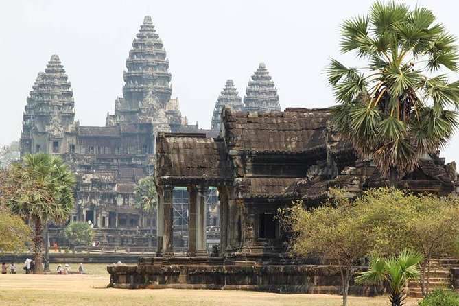 Private Angkor Three Best Temples Tour photo 12