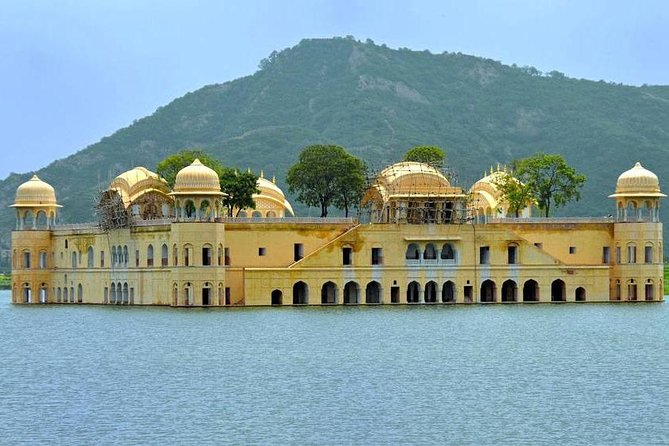 2 Days Guided Jaipur & Taj Mahal Tour From Jaipur With 5 Star Hotel & Lunch