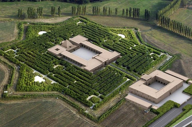 Fontanellato: a castle and a labyrinth in Parma countryside photo 2