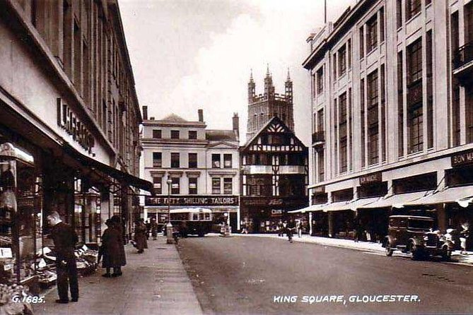 Guided walking tour : Ghosts & Giggles Of Gloucester