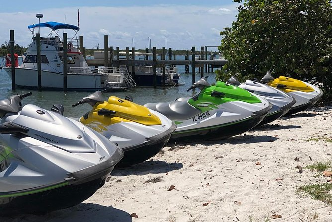 Jet-skiing in Bahamas photo 1