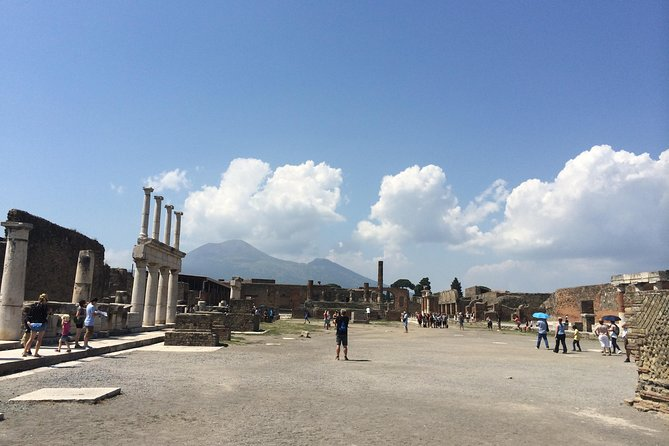 Pompeii-Wine tasting tour with licensed guide included photo 6