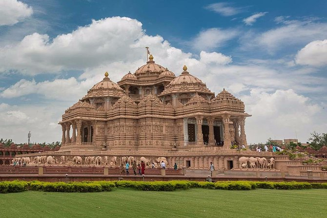 Temple tour of Delhi – A Home to Divinity