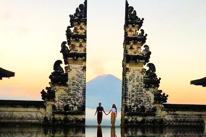 Heaven's Gate Long Queue Bali Insta Trip-visiting bali most scenic spot-ubud