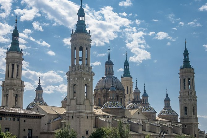Private Customized Tour from Barcelona to Zaragoza with Guide and Transportation