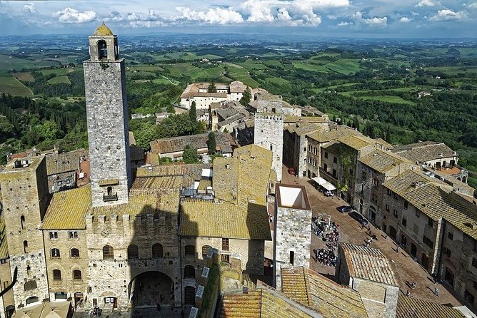 Private Transfer: Fiumicino Airport (FCO) to San Gimignano or vice versa