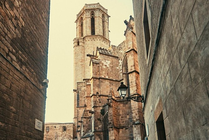 The Ultimate Old Town Tour in Barcelona