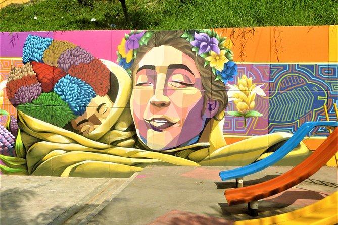 Tour to Comuna 13 and Graffitis