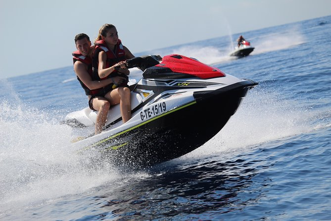 Discover the Jet Ski with a 30 minutes Tour in the South of Tenerife
