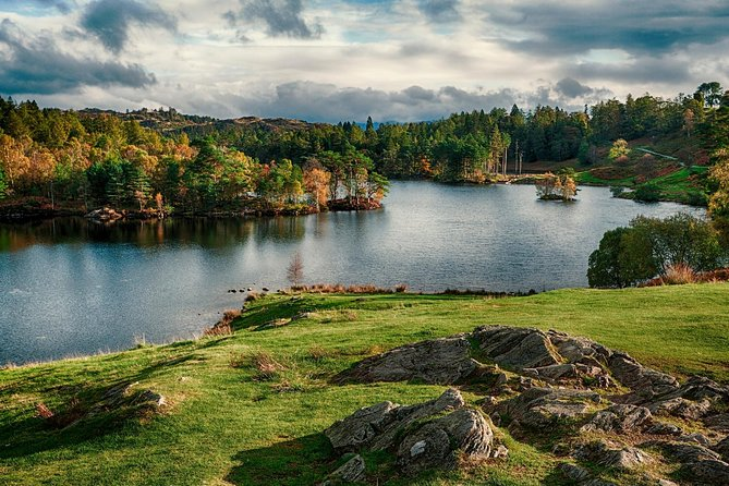 Stunning Scenic Tour: All inclusive, Half Day, Private Lake District Tour for 4