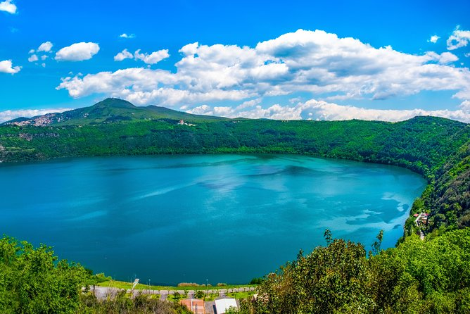 Private Full Day Castel Gandolfo with Papal Villas and lunch at the Albano Lake
