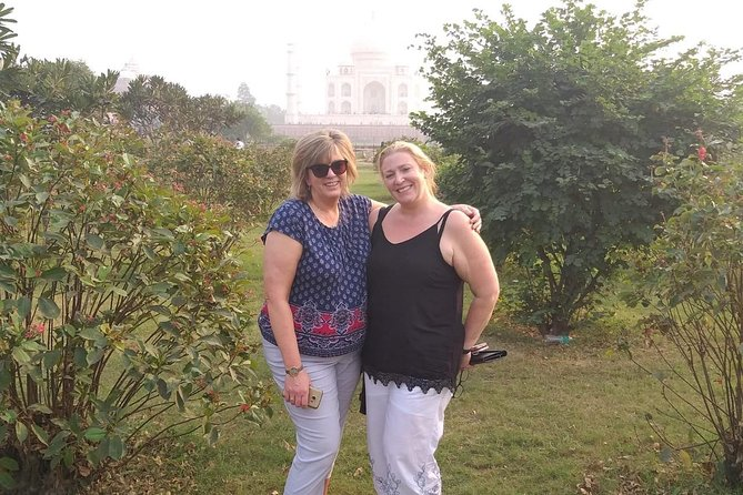 Day tour to Taj Mahal & Agra fort from Delhi,5 star hotel lunch included . photo 86