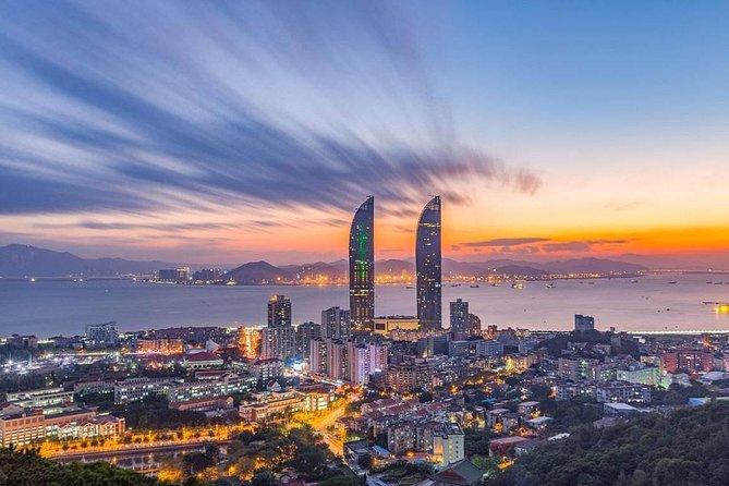 2 Days Xiamen tour to discover highlights of Xiamen and Tianluokeng Tulou