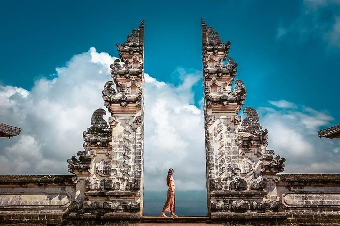 Bali Instagram Tour: Gate of Heaven, Waterfall, & Tegalalang Rice Terrace