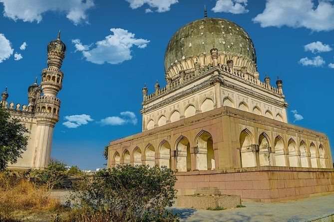 Excursion to Golconda Fort & Qutubshahi Tombs from Hyderabad