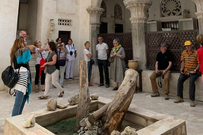 Discover the old city of dubai by walk