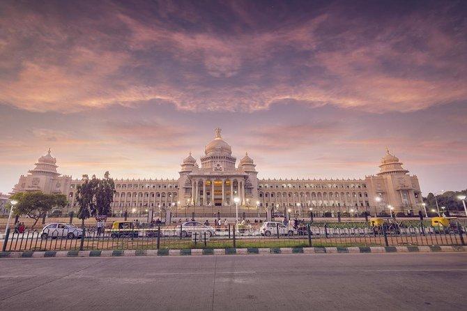 Bangalore sightseeing with monuments entrances