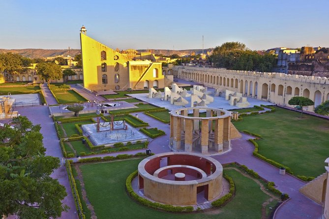 Guided Same Day Jaipur City Tour From New Delhi With Lunch & Tickets
