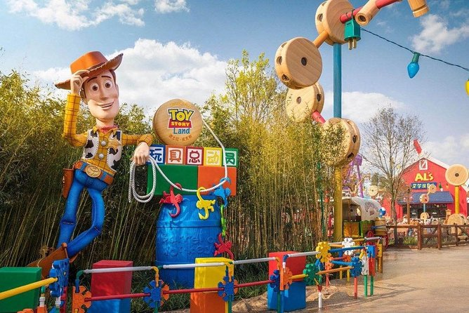 1 Day-Pass for Disneyland Shanghai and Transfer service Mini Group package photo 6