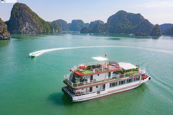 Lan Ha Bay & Viet Hai Village Full Day Tour - D'Charme Cruise