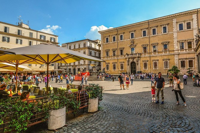 Walking Tour in Trastevere with Typical Roman Street Food