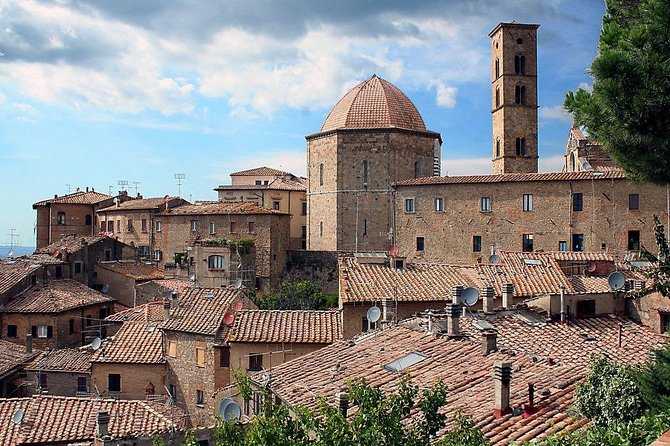 Private Transfer: Fiumicino Airport (FCO) to Volterra or vice versa