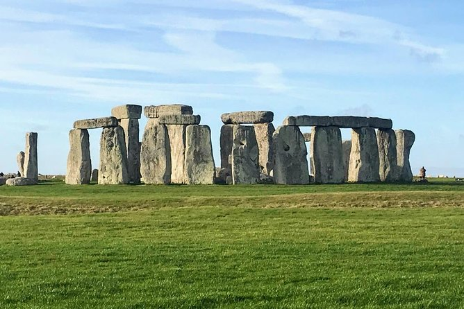 Private Tour Of Stonehenge & Bath With Private Guide & Private Driver