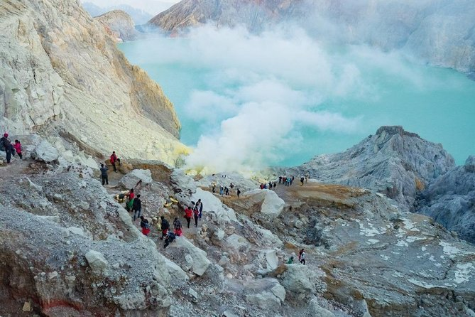 Kawah Ijen Blue Fire Tour - Share Package (Start from Banyuwangi)