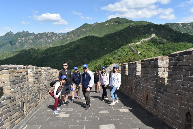 Layover Private Tour to Mutianyu Great Wall and Ming Tombs