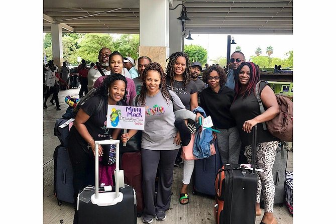 Private Roundtrip Sangster Airport Transfer to Ocho Rios Hotels