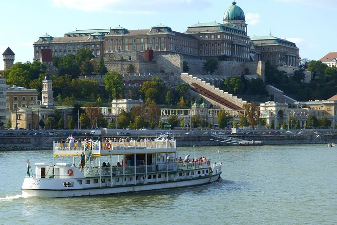 1 Hour River Cruise on the Danube