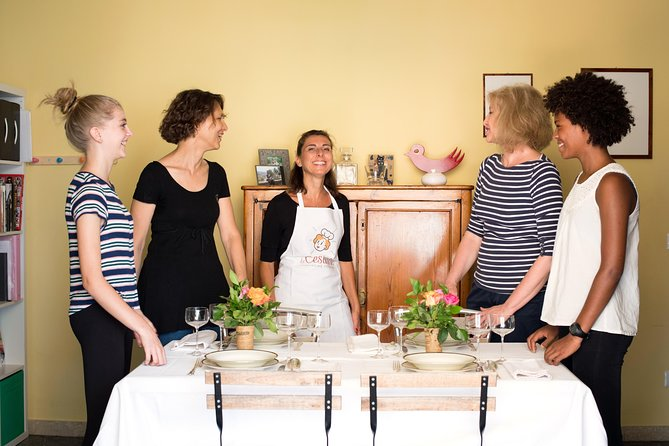 Lunch or dinner and cooking demo at a local home in Camogli