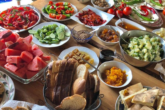 Shore Excursions: Private Traditional Turkish Breakfast & Kusadasi City Tour