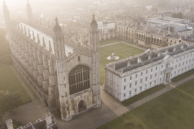 Private: Graduate-Guided Cambridge University Tour With Professional Photography