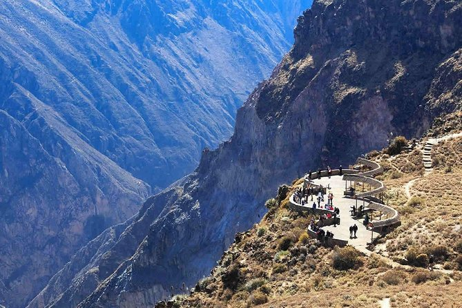 Colca canyon full day + buffet lunch photo 1