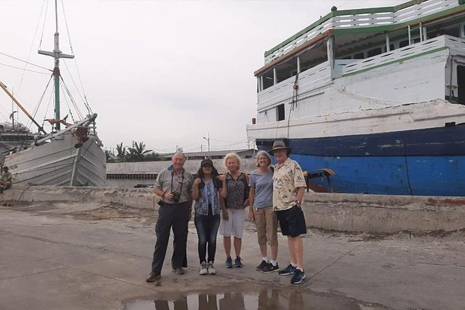 Jakarta sightseeing tour with lunch