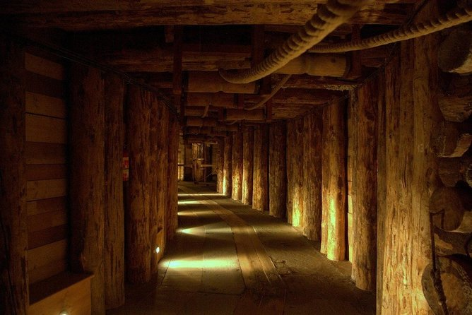 Private Guided Tour to Wieliczka Salt Mine photo 3