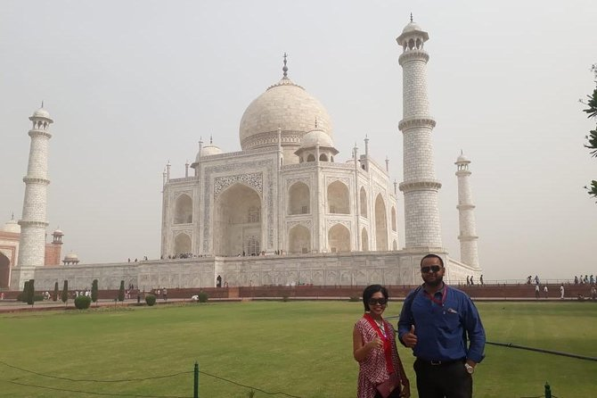 Day tour to Taj Mahal & Agra fort from Delhi,5 star hotel lunch included . photo 67