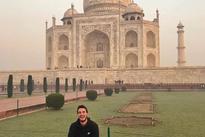 Day tour to Taj Mahal & Agra fort from Delhi,5 star hotel lunch included . photo 44
