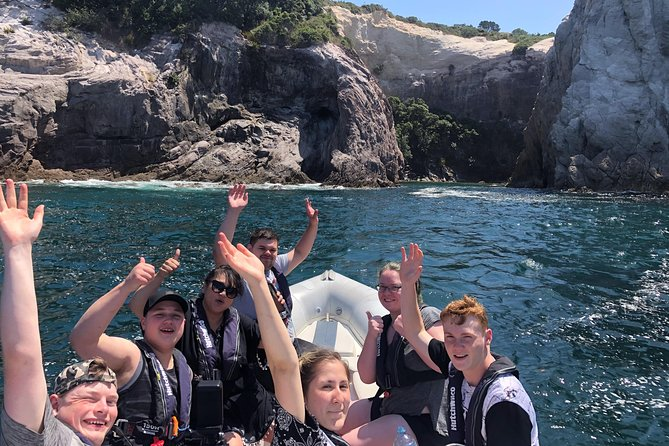 Cathedral Cove Small-Group Ultimate Boat Tour