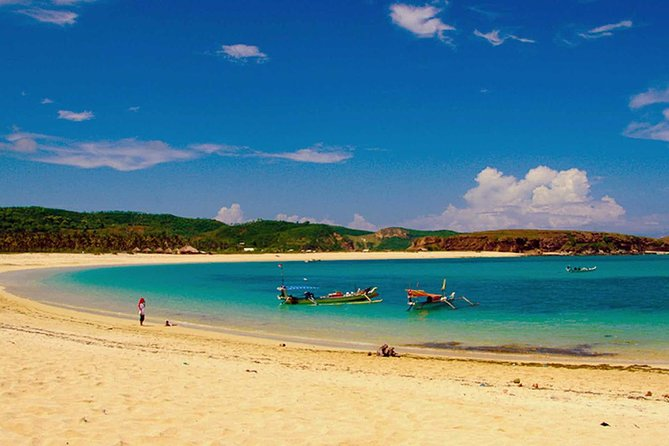 Lombok Private Tour: Sasak Village and Beach Discovery photo 16