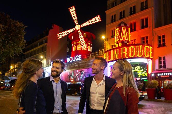 Experiência noturna parisiense: Cruzeiro com jantar no Rio Sena e Cabaré Moulin Rouge