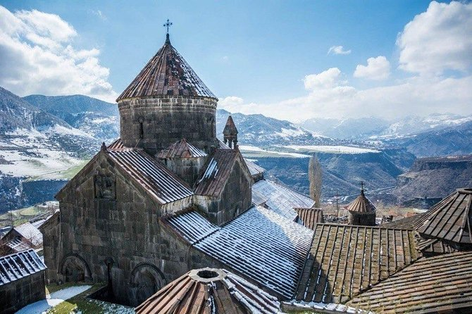 Small group tour to Armenia from Tbilisi in 1 day with traditional lunch