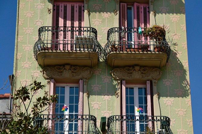 Fun Discovery Walk in Barcelona's Gracia: tapas, terraces and true tales