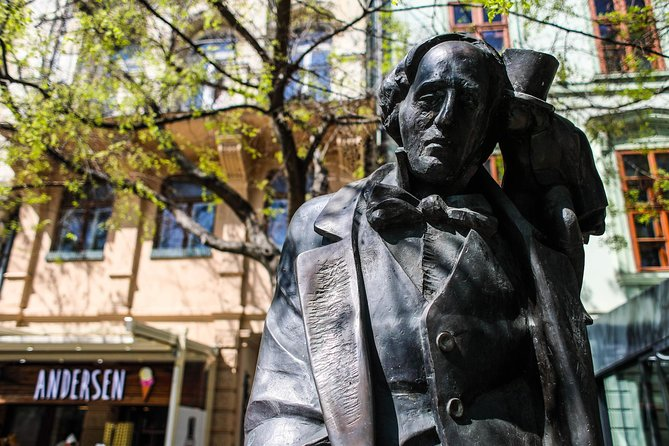 Self-guided Discovery Walk in Bratislava: history and mystery