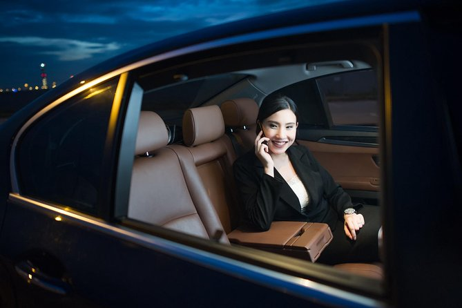 Low Cost :- Private Transfer Between Toronto Airport or London City ON Canada