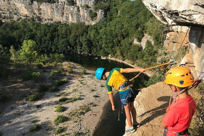 Via corda du Pont d'Arc: climbing, zip line and abseiling
