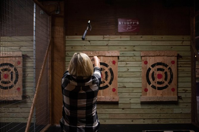 Axe-Throwing photo 1